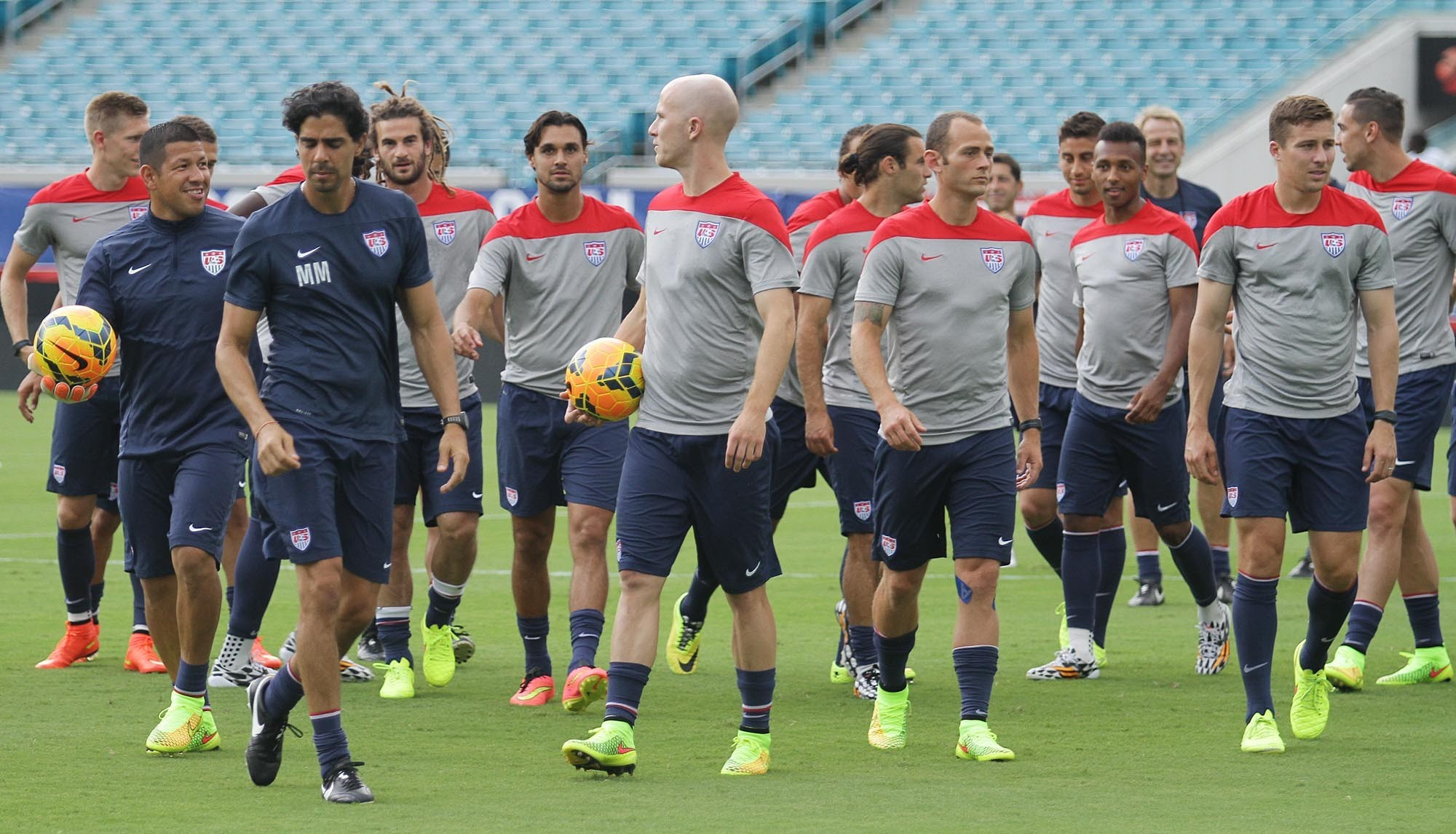 os-pictures-usa-national-soccer-team-practice--011