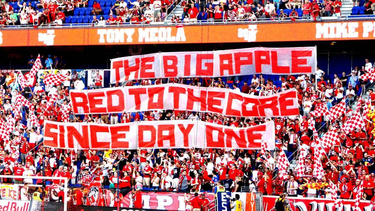 081015-Soccer-NY-Red-Bulls-Fans-PI-SW.vresize.1200.675.high.88